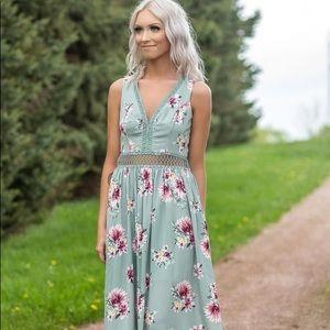 Filly Flair floral peekaboo maxi dress